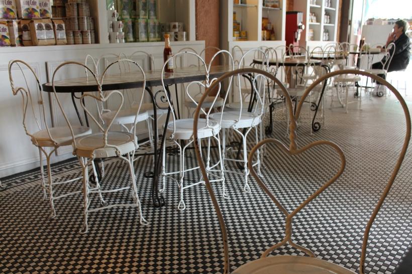 cafe beignet, new orleans