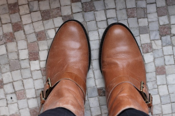the sak tan booties
