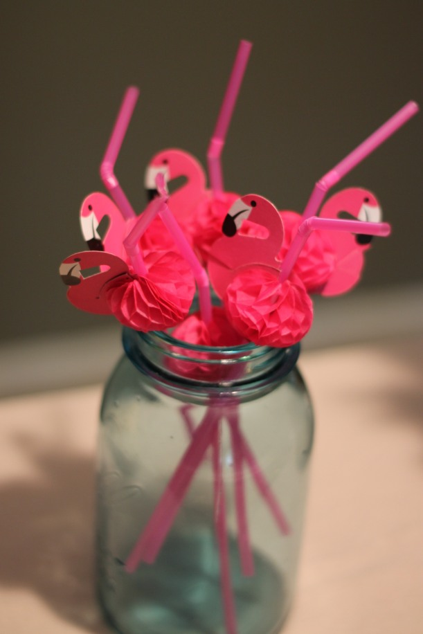 Lilly Pulitzer party flamingo straws| as GOLD as it gets blog