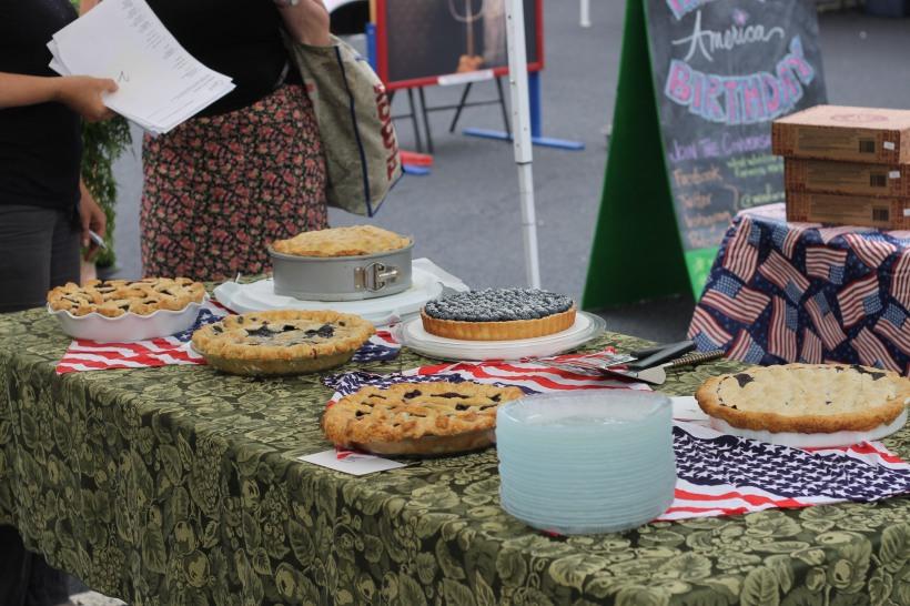 west windsor farmers market blueberry pie contest