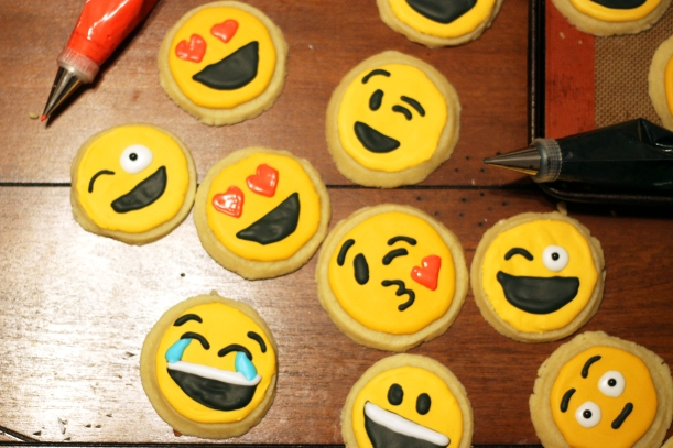 emoji-cookie-design