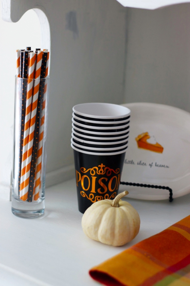 halloween-cups-and-straws