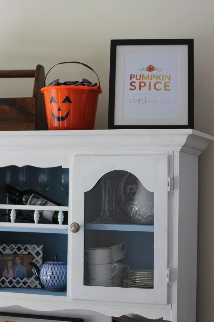 halloween-decor-top-of-hutch