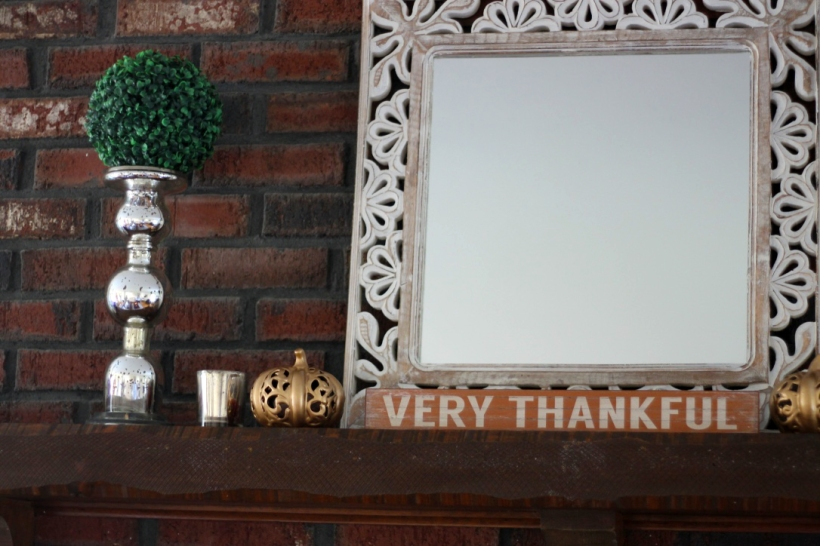 thanksgiving-hutch-decorations