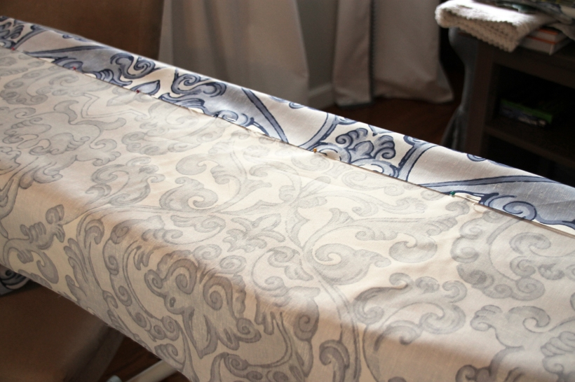 making-bathroom-valance